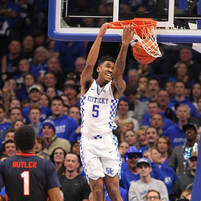 Malik Monk goes . He just scored 12 points in less than two minutes.