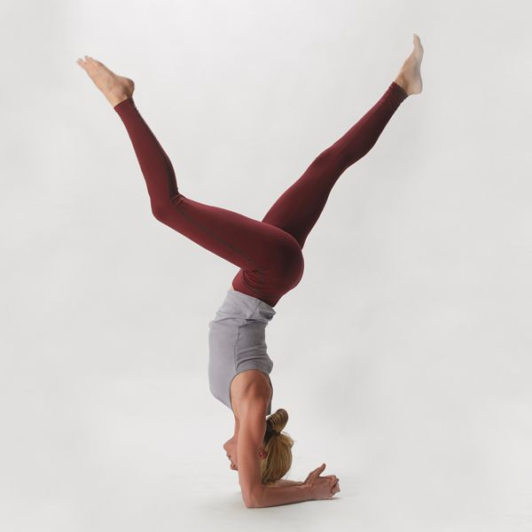 Hyde Yoga | Organic Spa Magazine's 2013 Gift Guide: Yogini | #OrganicSpaMagazine: Spa Magazine, Gift Guide, Gifts Hyde, Fall Colors, 2013 Gifts, Forearm Stand, Gifts Guide