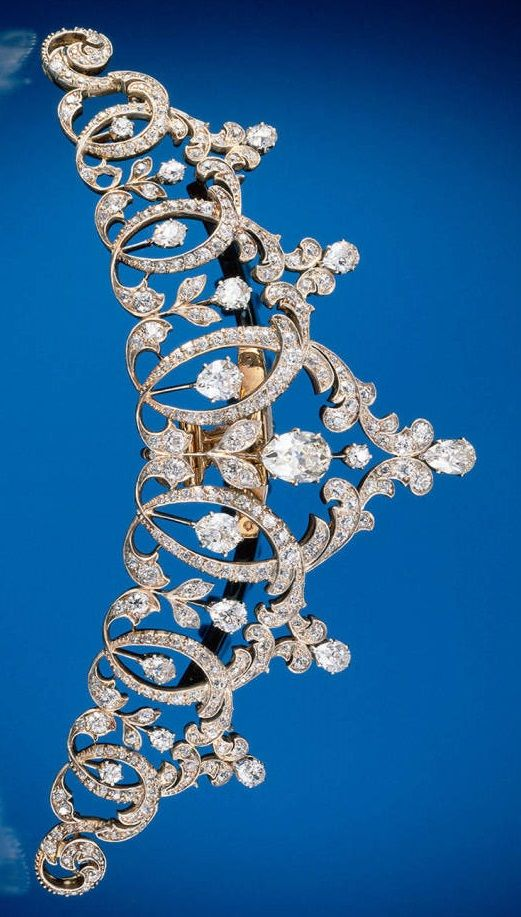 Tiara by Tiffany & Co., 1894. Gold, platinum, and diamonds. #Tiffany #antique #tiara