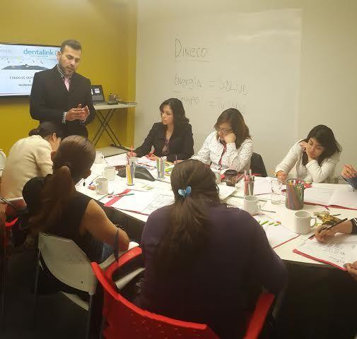 Primer seminario #Dentalink #México éxito total.  Lee más aquí http://blog.dentalink.cl/dentalink/exitoso-seminario-en-dentalink-mexico/