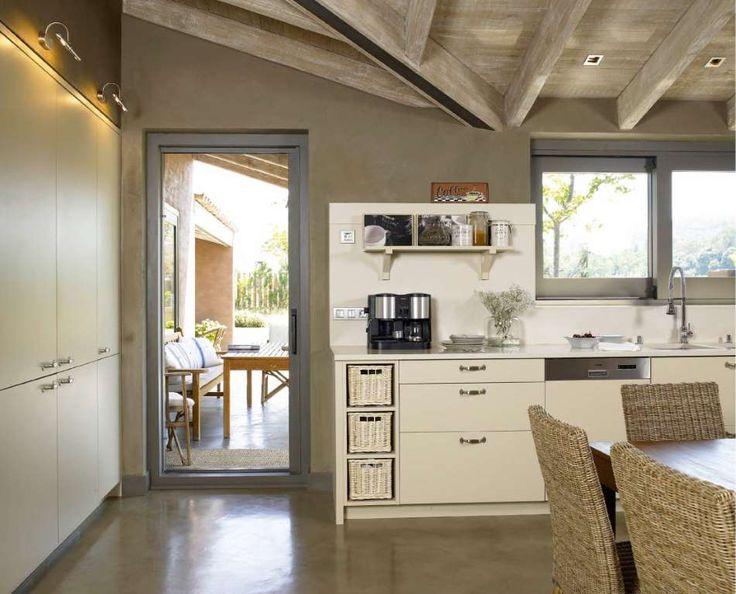 Cozinhas rústicas por DEULONDER arquitectura domestica - homify / DEULONDER arquitectura domestica