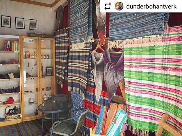 #Repost @dunderbohantverk with @instatoolsapp  Välkommen ut till hantverksboden i Dunderbo. Öppet varje lördag kl. 10-16.  Vi smygstartar med att öppna sommarboden många nyvävda mattor och löpare!  .  #hantverk #lantligt #trasmatta #vävstol #lokalthantverk #fjärdhundraland #enköping #fjärdhundra
