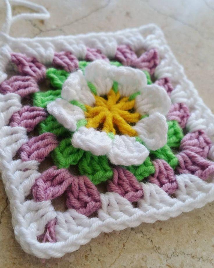 Zarif çiçek detail yeni motifimizle her Kesi salamlayiram �������� . . . #elisi #toxumaq #iplik #orgu #handmade #yarn #yarnaddict #crochet #crossstitch #crochethook #motif #orgumodelleri #örgümüseviyorum #tigisi #handmadelove #knitting #knittinglove #dizbattaniyesi #koltuksali #bebekbattaniyesi #battaniye #adyal #kirlent #yastiq #dizbattaniyesi #вязаниекрючком #вяжутнетолькобабушки #вязание #мотив http://www.butimag.com/iplik/post/1467378443402199054_1704616983/?code=BRdLOt2DcAO