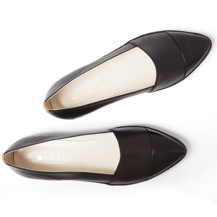 The Palma Pointy black.