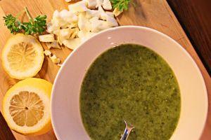 Lättlagade 5.2 recept, här en god Spenatsoppa: Perfekt om du vill ha en lyxig lågkalori middag eller lunch på 5:2 fastedagen!