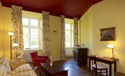 Romanti Hotel Gutshaus Ludorf  http://www.gutshaus-ludorf.de/