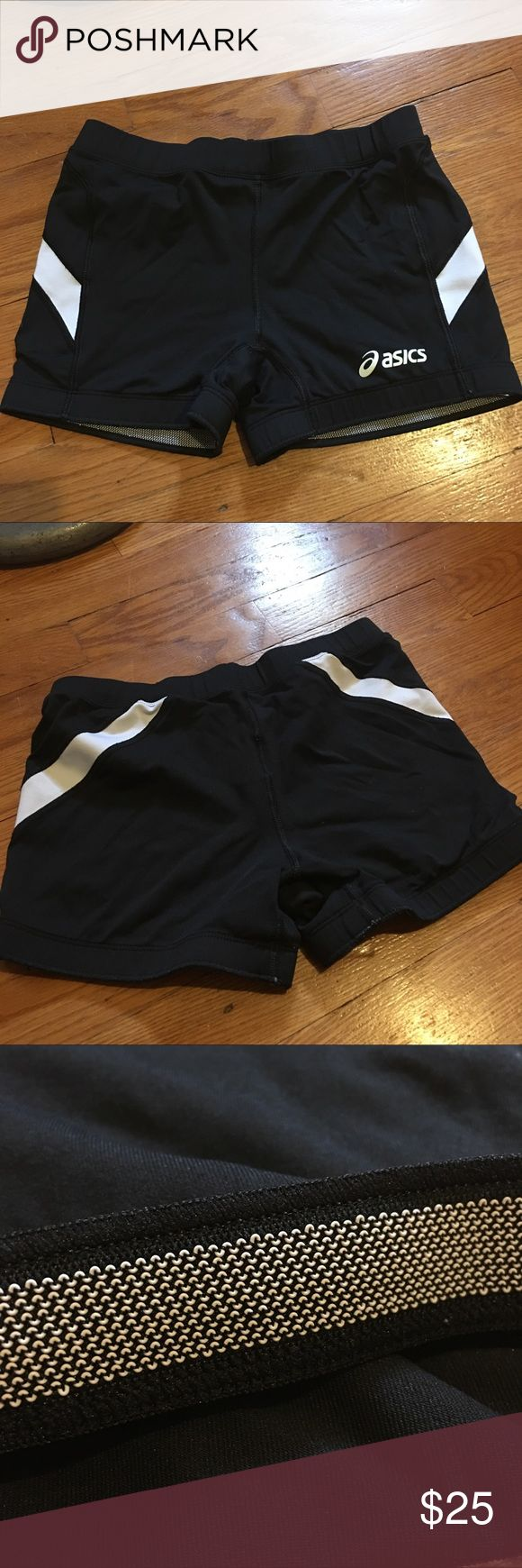 Asics running spandex shorts Size small, black and white, barely worn Asics Shorts