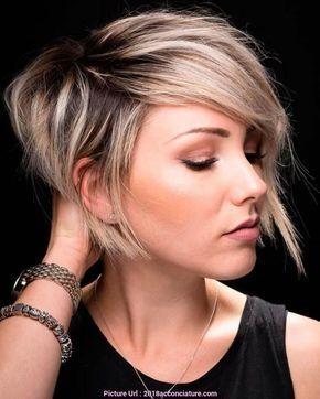 Taglio corto capelli dritti