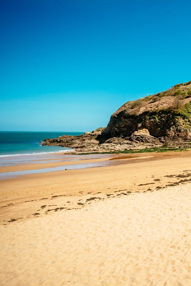Golden sands at Greve de Lecq Beach in Jersey, Channel Islands #EscapeToJersey