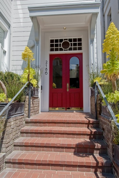 Great red door and window above welcome home pinterest for Front door with transom above
