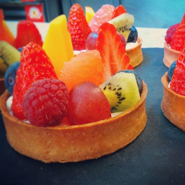 Tarte aux fruits by @jeanmarcdiop au Bistrot du bord de l'eau  #igersbourgogne #igersfrance #igerseurope #welovebourgogne #lacotedorjadore #pâtisserie #foodporn #instafood #instagood #mybourgogne #restaurant #gourmandise #picoftheday #pictureoftheday #bourgogneexperience #Bourgogne #burgundy #Levernois #beaune