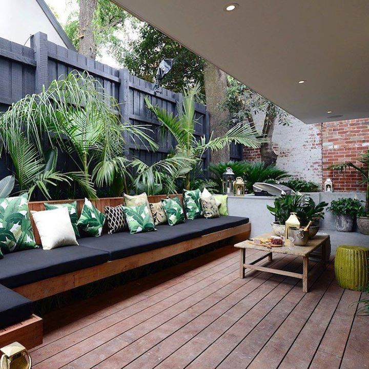 It's ok to still dream about @darrenanddeanne's terrace isn't it?  (These tropical cushions are on sale too as part of our massive Boxing Day Sale - head to our homepage for details) #theblock #terrace #boxingdaysales #homewares http://ift.tt/2ioviSx