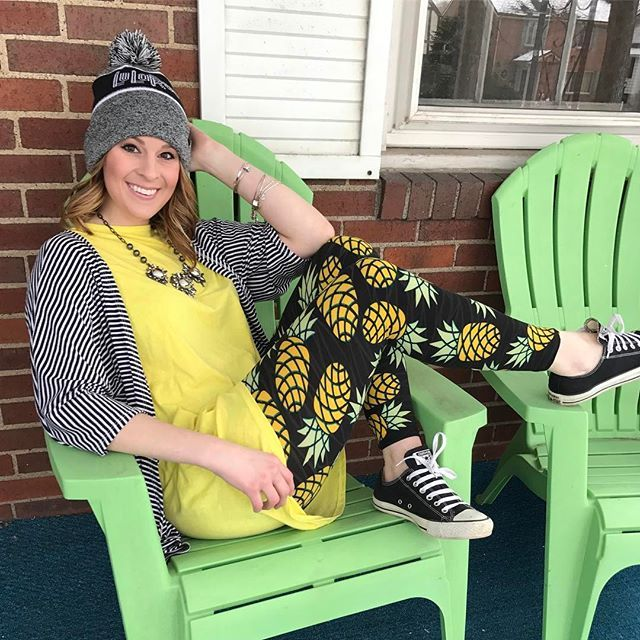 Irmas and leggings are everything! Try print mixing with a bold print against a subtle stripe for a cute mix n match look! I love how this Lindsay completes this outfit ❤️ #LuLaRoe #beapineapple #lularoeleggings #lularoeirma #lularoelindsay #pineapple #converse #patternmixing #ilovelularoe #instagram #tfpjanuarychallenge