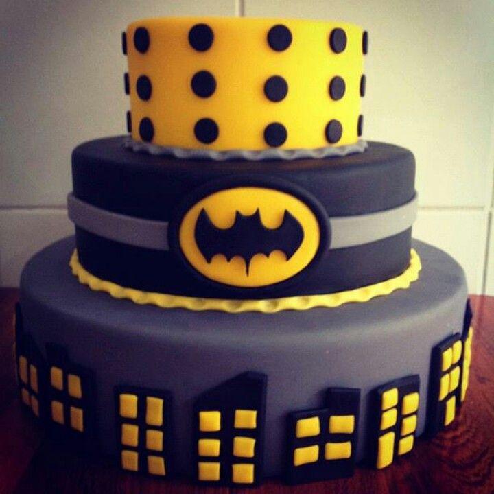 Cake Decorating Batman Cake Ideas : 17 Best images about Batman cake ideas on Pinterest ...