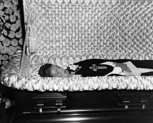 Memento Mori Photographs | Memento Mori: Victorian Death Photos / Aimee Semple Mcpherson died of ...