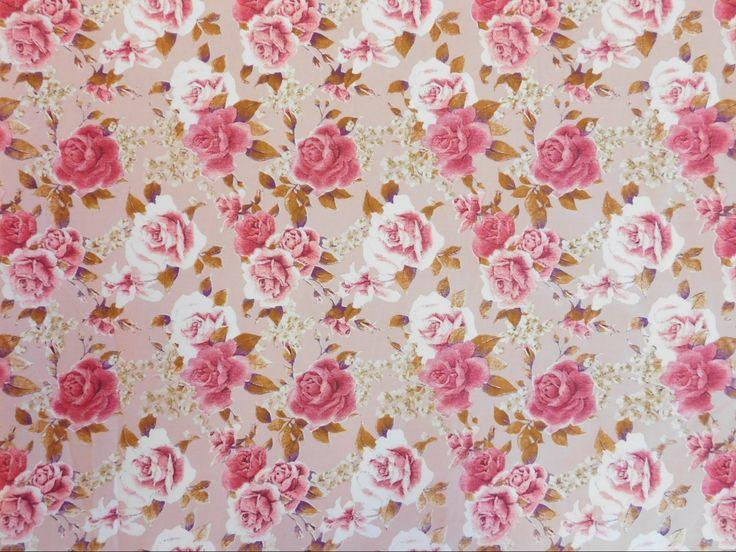 Sarja Estampado Floral Rosas Vermelhas e Rosa Fundo Bege não amarrota, dura mais, tem cores que não desbotam e um ótimo caimento.  Indicado para calças, jaquetas, jaleco, blusões, conjuntos, saias, bermudas e até vestidos.  Confira Sarja Estampado Floral Rosas Vermelhas e Rosa Fundo Bege e outras estampas de Sarjas em nossa loja virtual www.LuemaTecidos.com.br  #tecidos #sarja #sarjaestampada #vempraluema #luematecidos