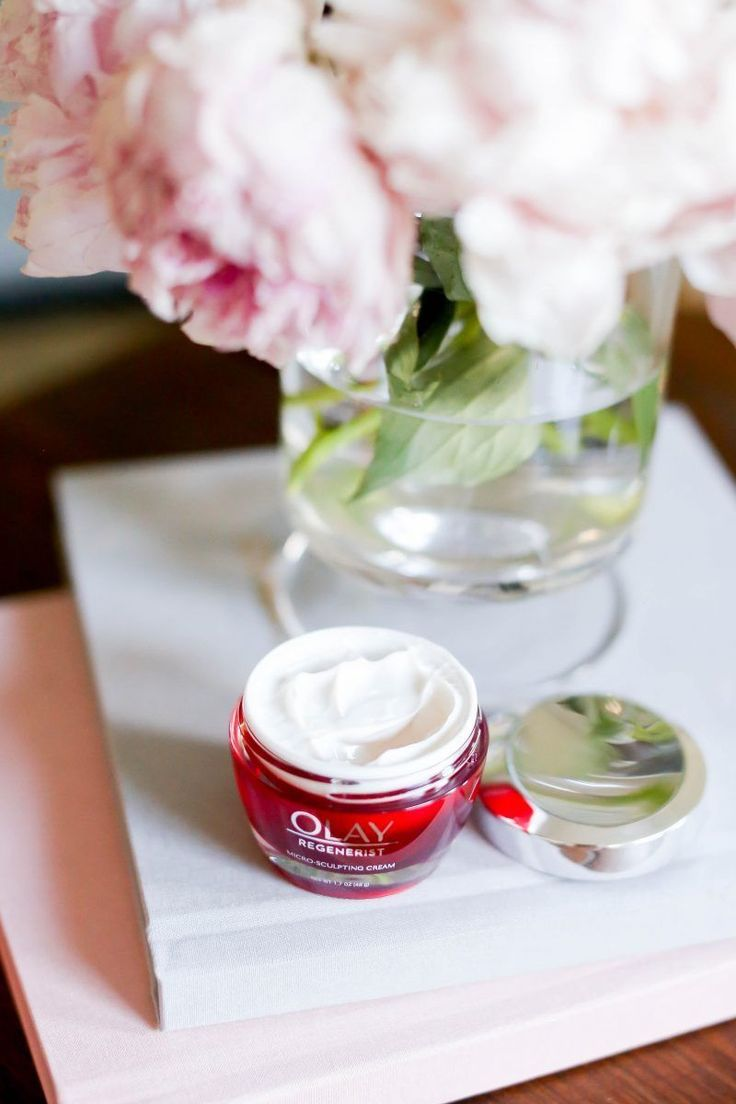 The @OlayUs anti-aging face cream that beat out the $440 competition. #ageless #olay #ad #antiagingcreamdrugstore