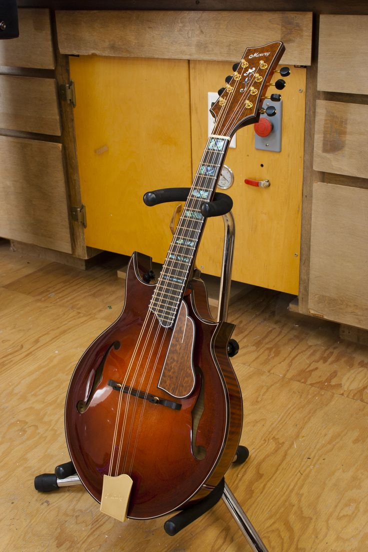 Mowry two-point mandolin | Mowry Stringed Instruments in ...