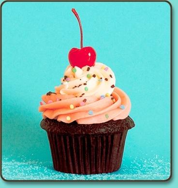 Trophy Cupcakes- Neopolitan-SeattleMamas