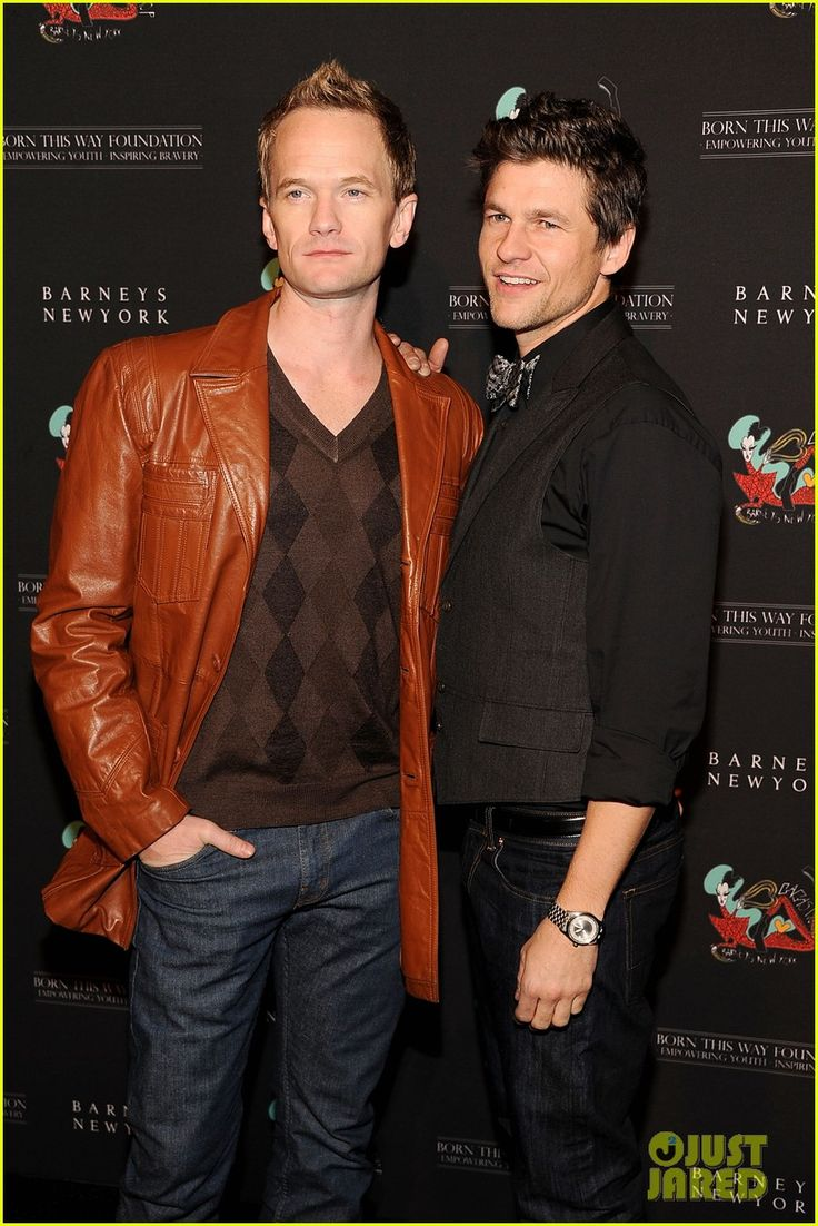 Neil Patrick Harris & David Burtka I REALLY REALLY REALLY Love them... But i just cant handdle that they are Gay.... Why most of the hotties play for the other team?! Huh?!