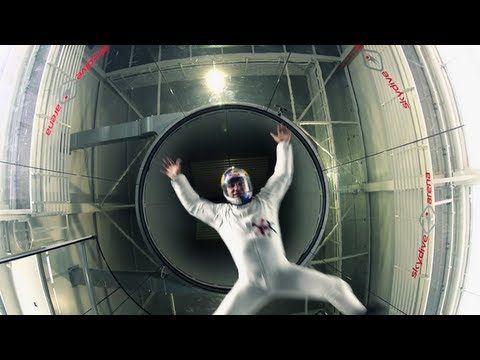 Il wind tunnel per divertirti a praticare il paracadutismo indoor in totale sicurezza per gioco o per allenarti A.S.D. Lanciati.it ti accompagnerà