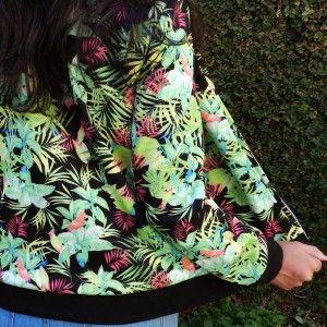 Jaquetas   Miupi #adoromiupi #nice #flores #folhas #preto #verde #comfy #conforto #estampa #pattern #jaqueta