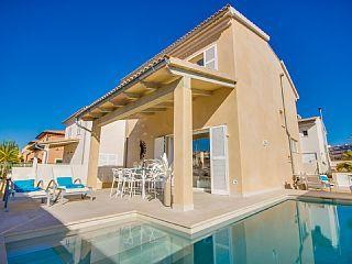 Modern+vakantiehuis+met+privé+zwembad+-+Aan+het+strand!++Vakantieverhuur in Alcudia en omgeving van @homeaway! #vacation #rental #travel #homeaway