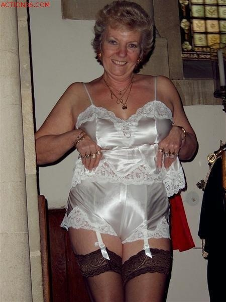 Granny Garters 102