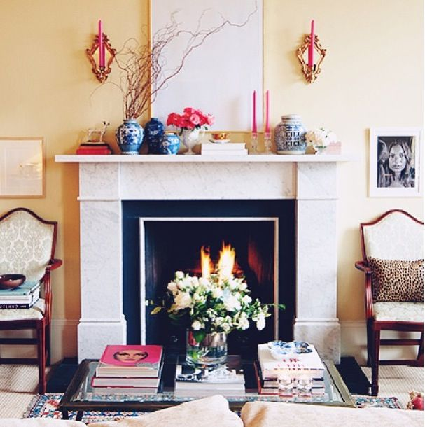 love the black u0026 white fireplace surround
