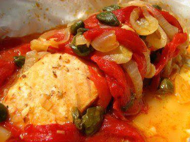 Cinco Quartos de Laranja: Salmão em papelote com pimentos vermelhos e alcaparras