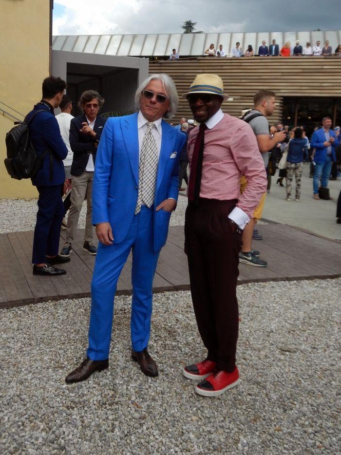 Looking dapper #pittiuomo #parisiangentleman #bluesuit #summer