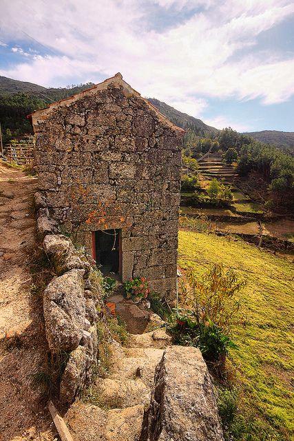 Casa de Granito em Loriga (Granit House IN Loriga, Serra da Estrela), Portugal