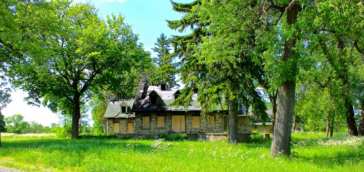 Front view of the abandon house