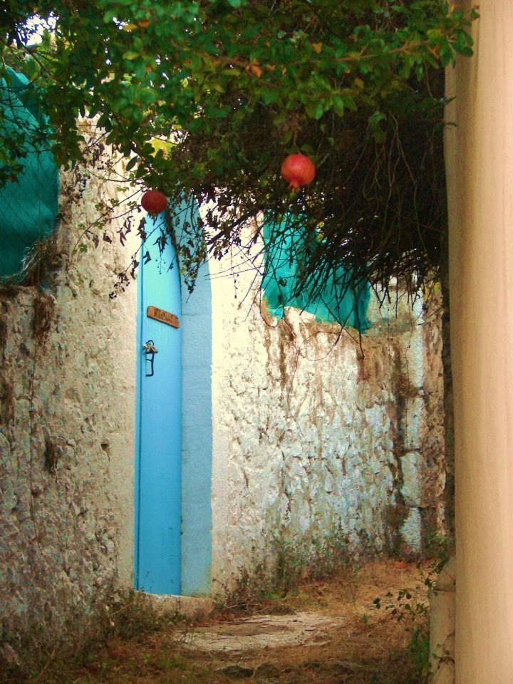Walking at quaint and fairytale villages! — at Kefalonia.