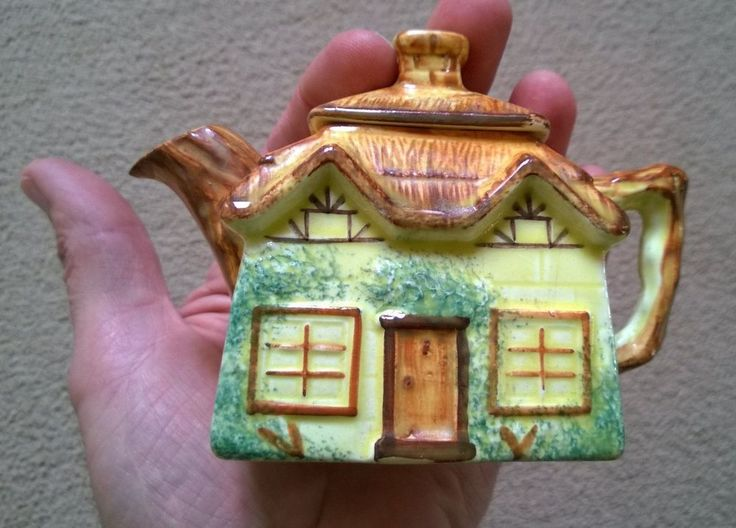 Vintage (1950s?) Miniature Keele Street Pottery Co Cottage Ware Teapot