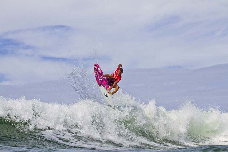 #QUIKSILVER & #ROXY PRO GOLD COAST 2012 After a slow start to the event, Julian Wilson ripped his way to the highest heat score of the day over fellow Aussie Adam Melling. #Quiksilver Pro & #Roxy Pro Gold Coast 2012/WSL/ www.worldsurfleague.com /WSL/Checkwood/WORLDSURFLEAGUE #Roxy #Quiksilver Pro & #Roxy Pro Gold Coast 2012 WORLD  SURF LEAGUE www.worldsurfleague.com