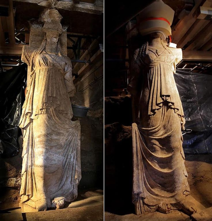 New photos of Amphipolis Caryatids released. The Caryatids wear a long chiton and long fringed robe with rich folds [Credit: Greek Ministry of Culture] The full height of each caryatid is 2.27 metres and they are wearing chitons - or full-length draped dresses, tied in the middle - and a long himation, or a shawl-like cover over their dress, with fringes and several folds.