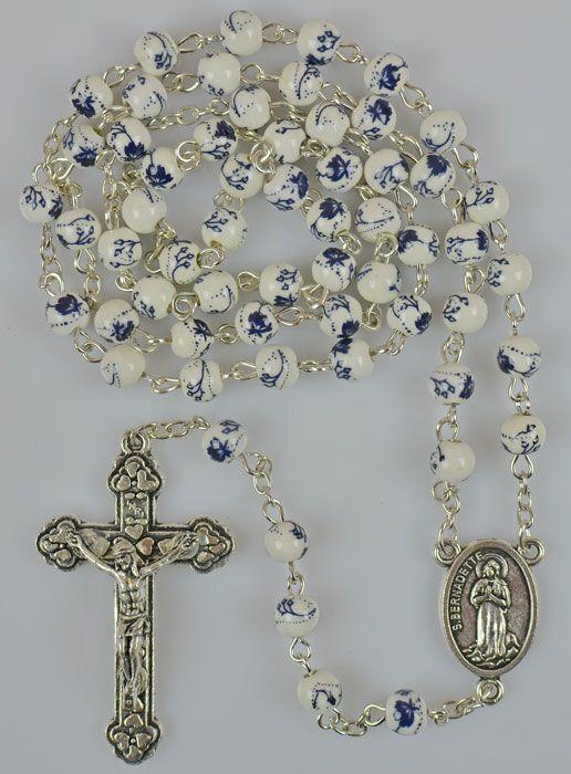 Chapelet Blanc et Fleurs Bleues en Céramique
