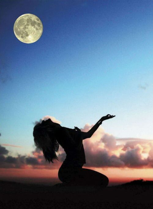 Stay close to yourself... Stay close to Mama Earth...Reverence is a form of listening ~~ Lots of Earthy power in this deep Full Super Moon ♥♥ ~