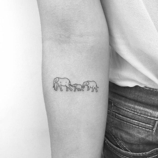 Moderne, charmante kleine Tattoos bringen Ihren Charakter zur Geltung