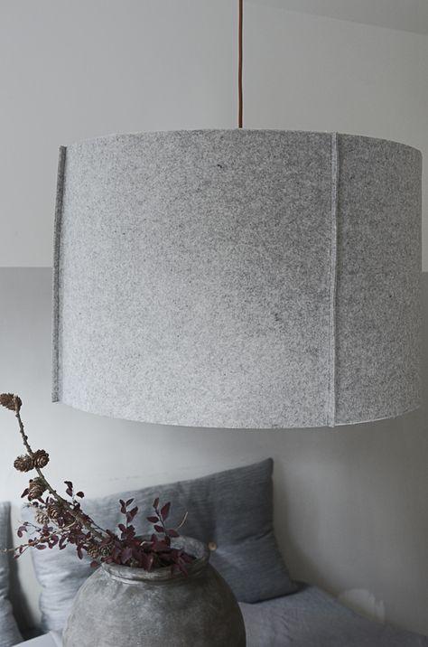 DIY: Klä in lampskärmen i filt och få en helt ny lampa. | DIY Mormorsglamour | Sköna Hem