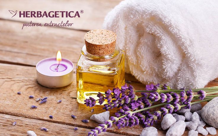 Uleiurile esențiale se numără printre cele mai vechi ritualuri de frumusețe. Datorită conținutului lor bogat în fitohormoni, uleiurile esențiale au o capacitate de hidratare și regenerare foarte mare.
