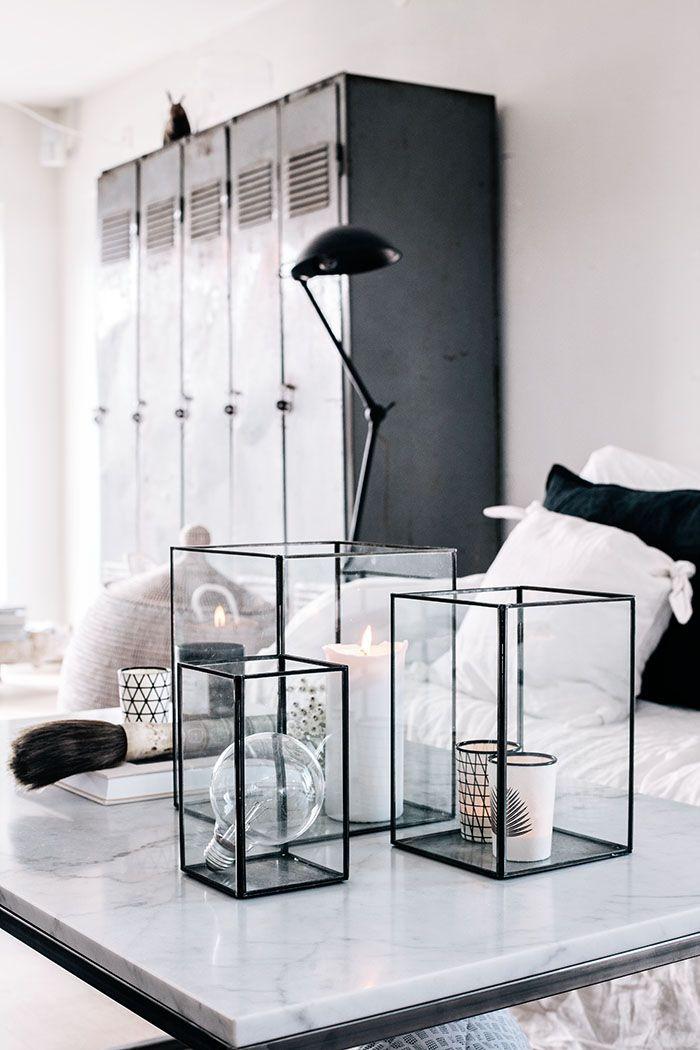 Industrial meets fluffy soft furnishings // Combinação de mobiliário industrial e tecidos macios