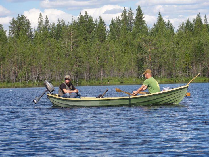 hirvipirtit lapland cabins Finland, Taivalkoski, fishing pike in lake Koivujärvi