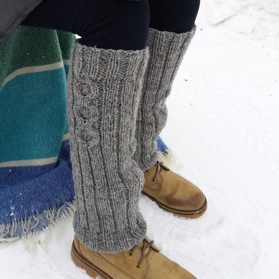 Discover the comfort and warmth of wool leg warmers. Perfect for all of your fall and winter activities: hiking, cross-country skiing, camping or simply staying warm indoors! You can wear these over your leggings or tights and even over your pants. Made with Canadian wool. #winter #wool #legwarmers # women #handmade