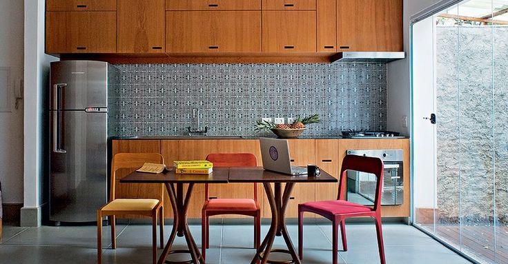 revistacasaejardim.globo.com Casa-e-Jardim Galeria-de-fotos fotos 2013 07 cozinha-minuscula.html