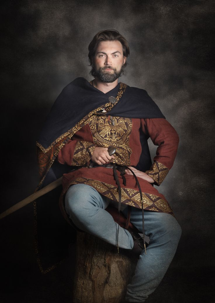 Modern Viking - in traditional clothes. Real reenacted.   Photo Jim Lyngvild