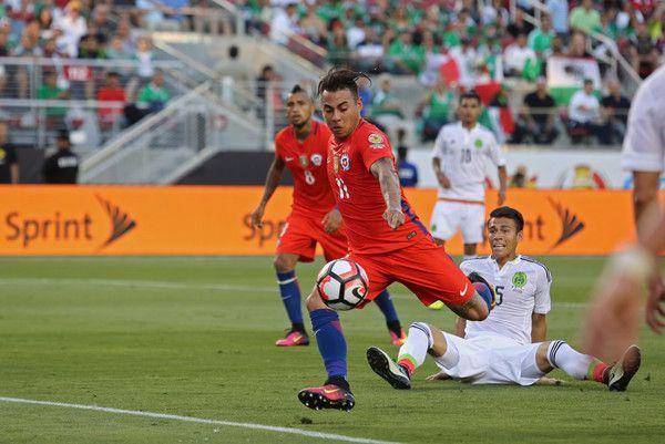 Eduardo Vargas scores. Chile NT. Copa America.