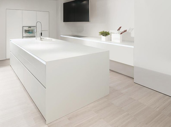 Mobili per cucina cucina mk 012 di mk cucine materiali for Mobili minimal home