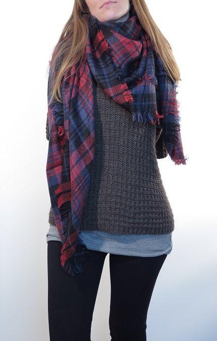 ¡Escribe a info@escampe.com para conseguir tu pañuelo de moda por 10€!  Pañuelo maxibufanda de cuadros (rojo azul negro)